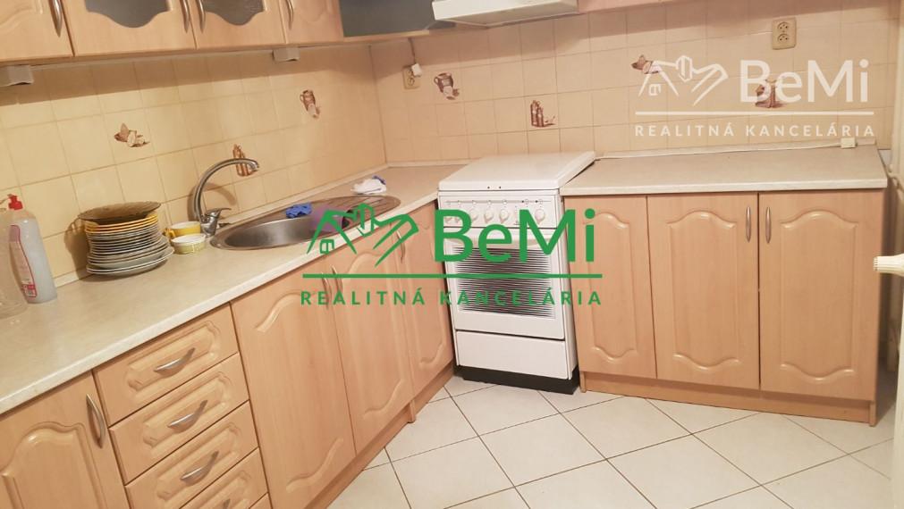 Predaj: 3-izbový byt v Ilave /001-113-Vil/