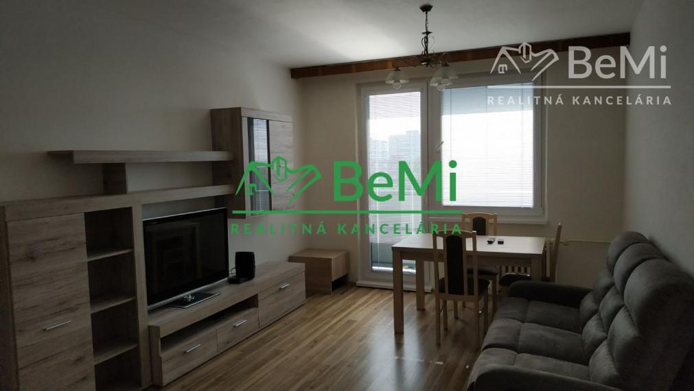 Priestranný 3 izbový byt na prenájom - Nitra-Chrenova (103-213-NAS)